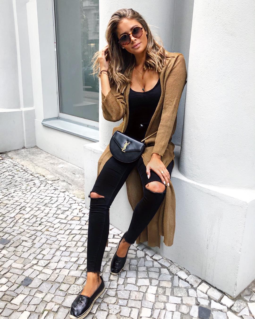 Джинсы с трикотажными вещами как стильно носить осенью и зимой 2018-2019 фото 11