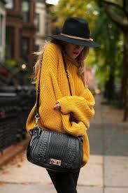 яркий свитер с чем носить фото 21