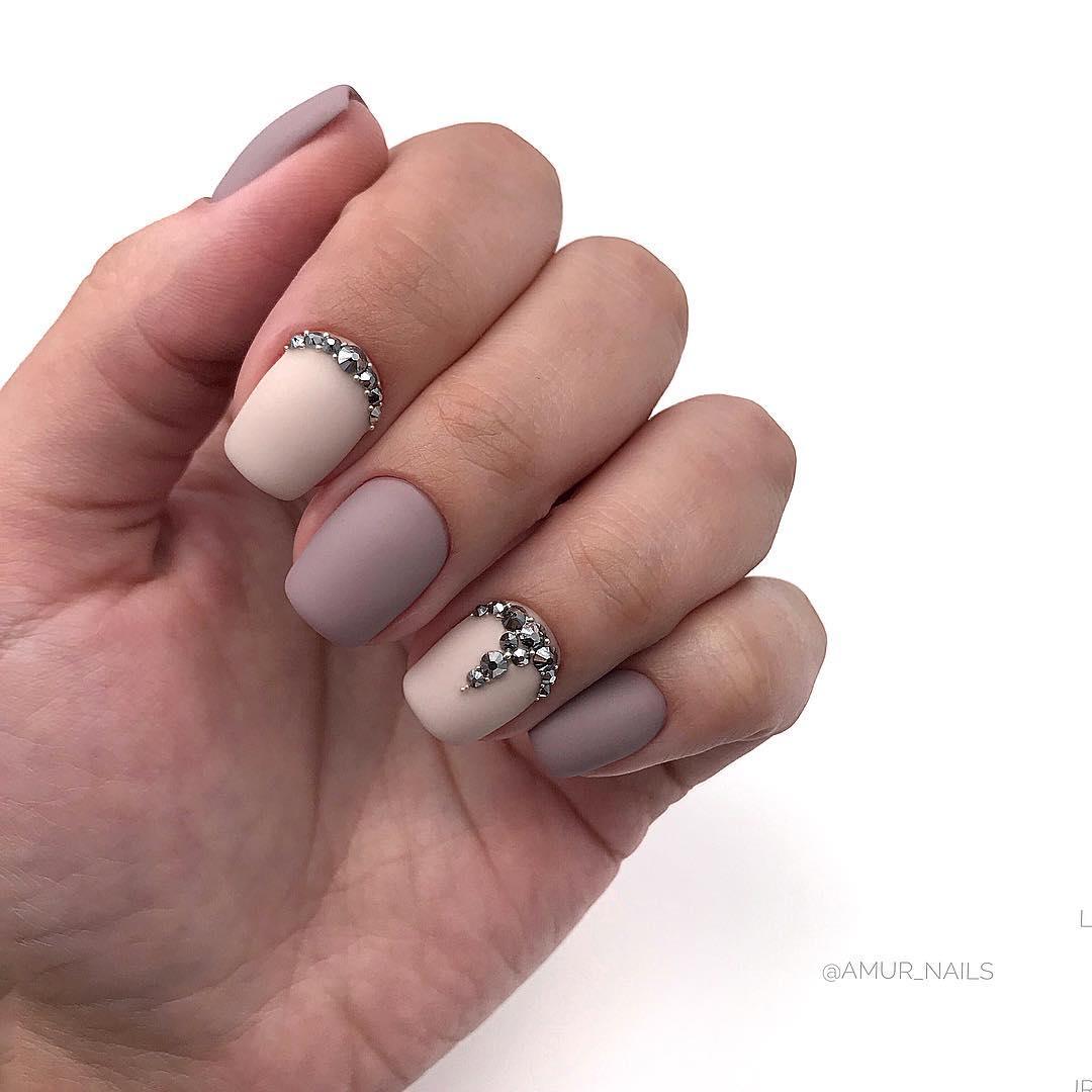 светлый маникюр на коротких ногтях фото_13