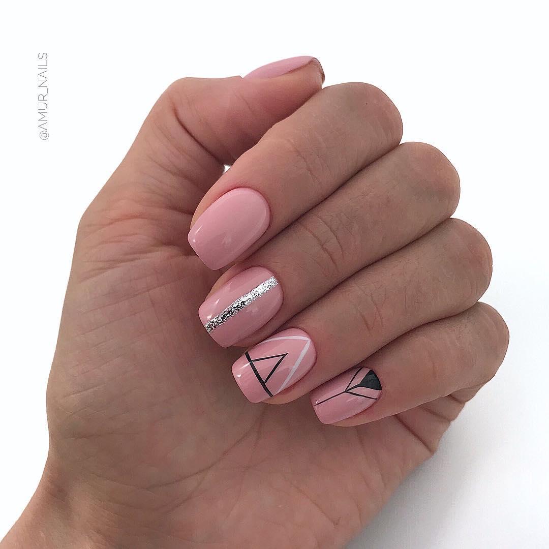светлый маникюр на коротких ногтях фото_10