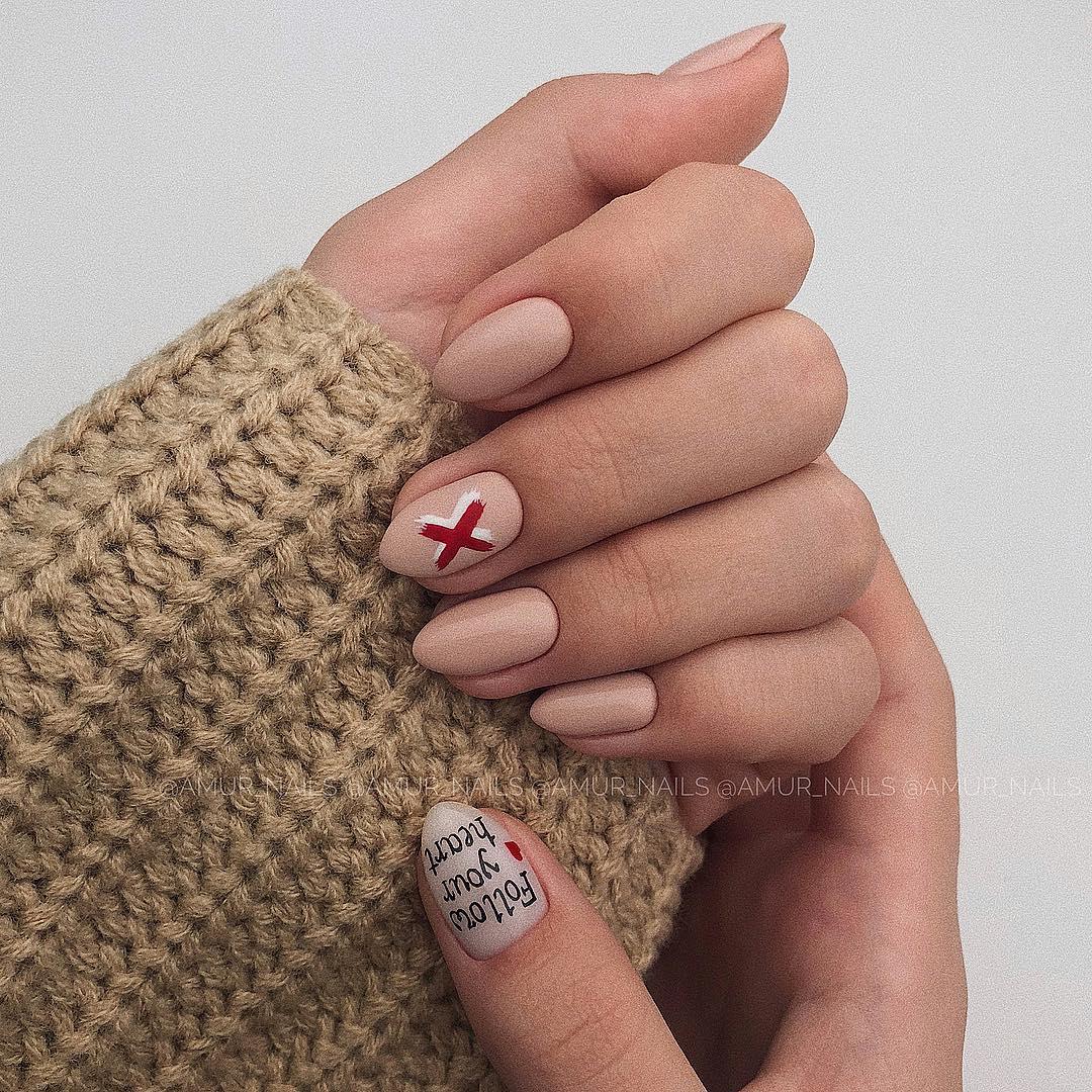 светлый маникюр на коротких ногтях фото_4