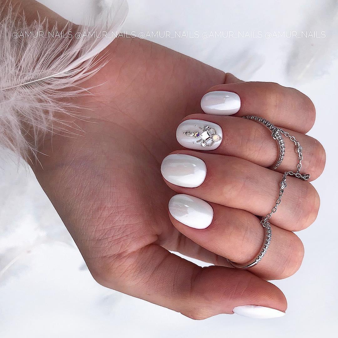 светлый маникюр на коротких ногтях фото_2