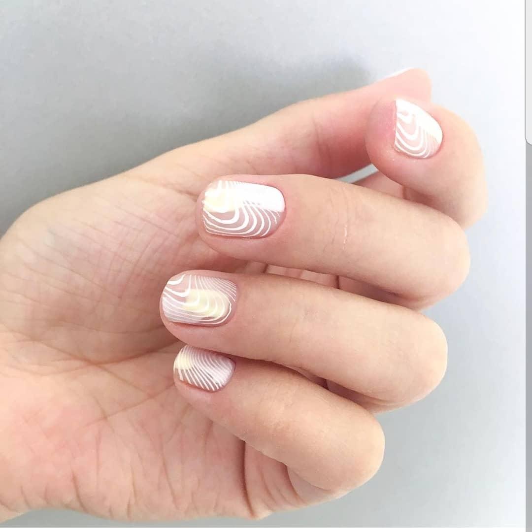 рисунки на коротких ногтях фото_13