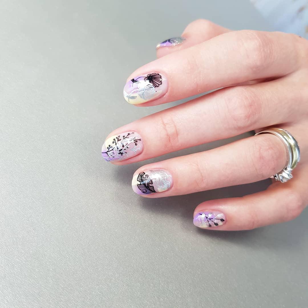 рисунки на коротких ногтях фото_10