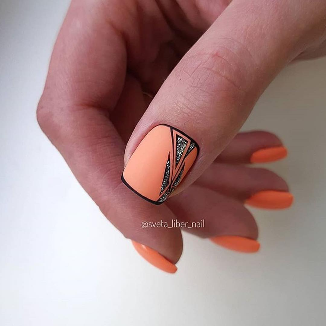 рисунки на коротких ногтях фото_8