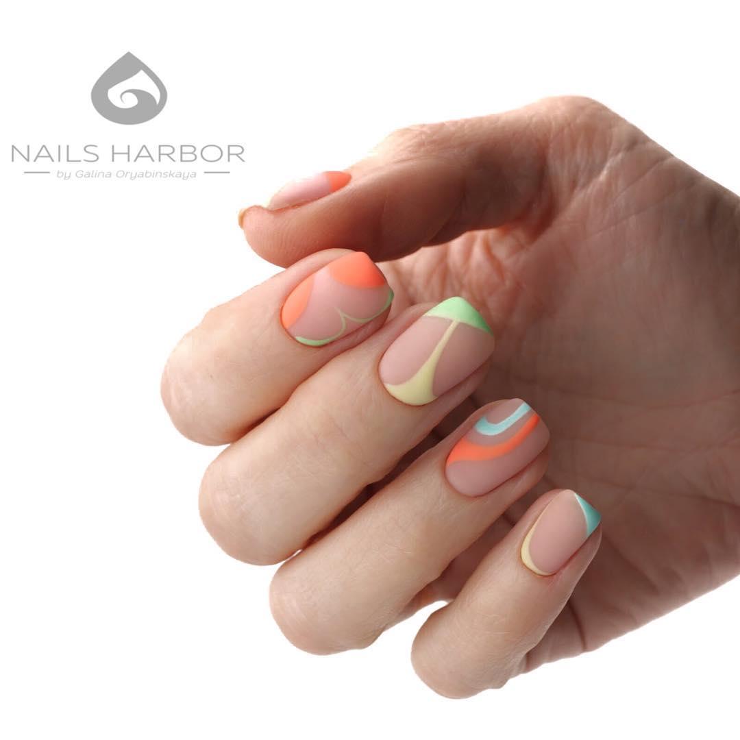 светлый маникюр на коротких ногтях фото_30