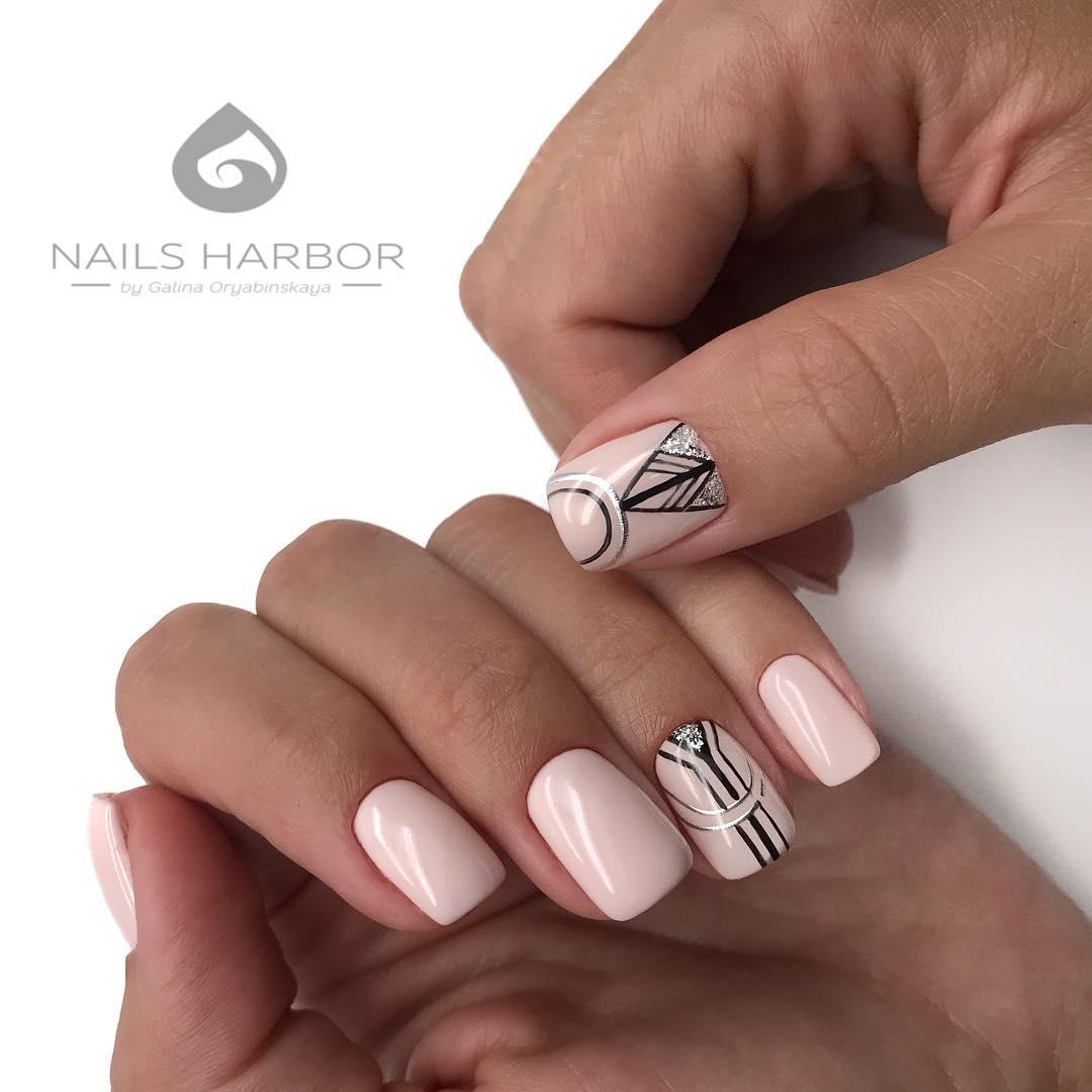 светлый маникюр на коротких ногтях фото_28