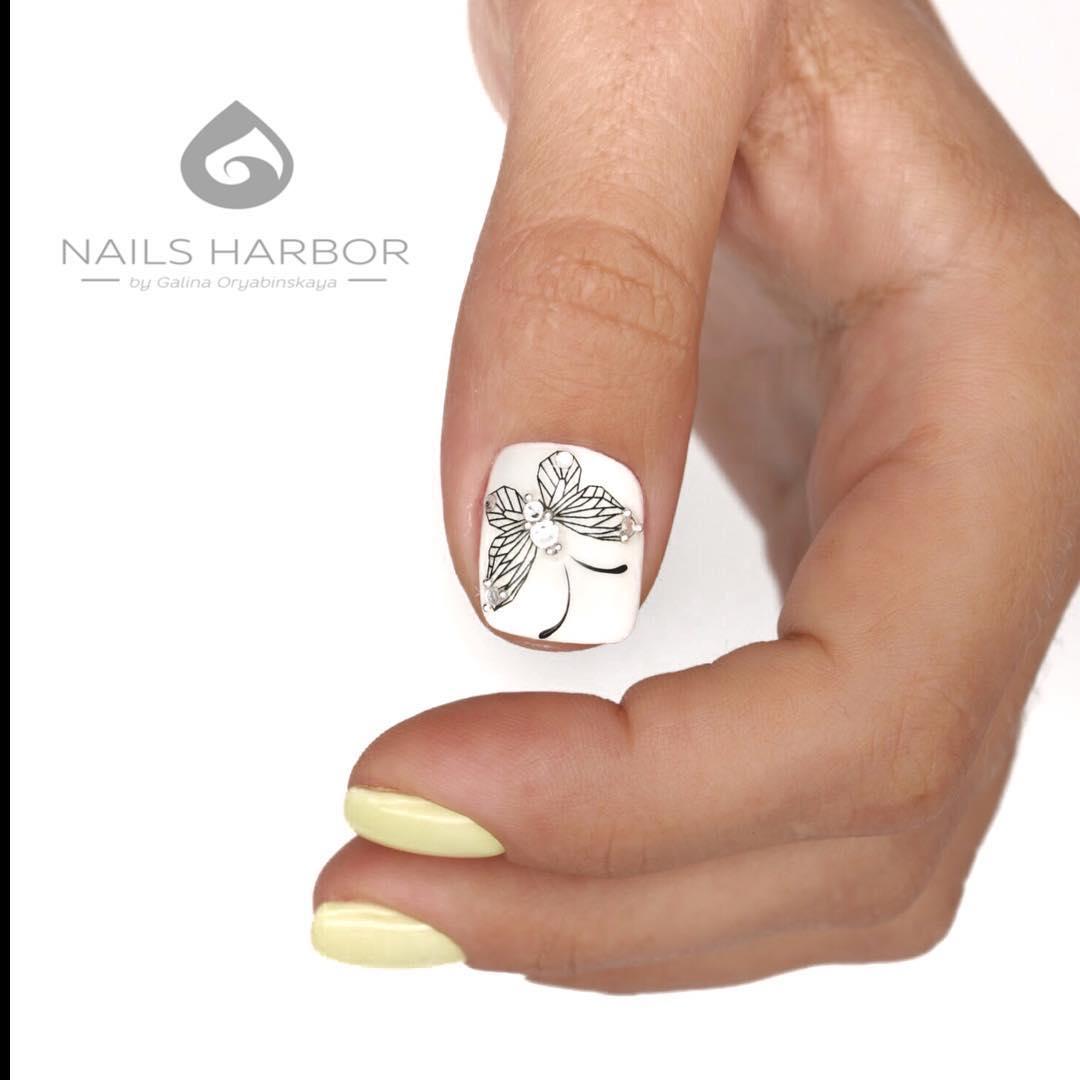 светлый маникюр на коротких ногтях фото_26