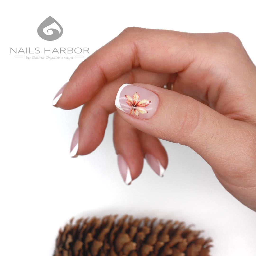 светлый маникюр на коротких ногтях фото_23