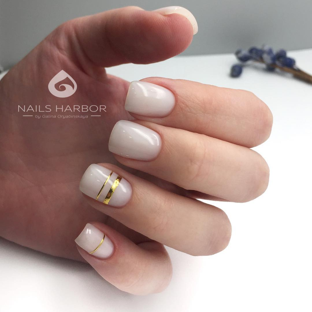 светлый маникюр на коротких ногтях фото_22