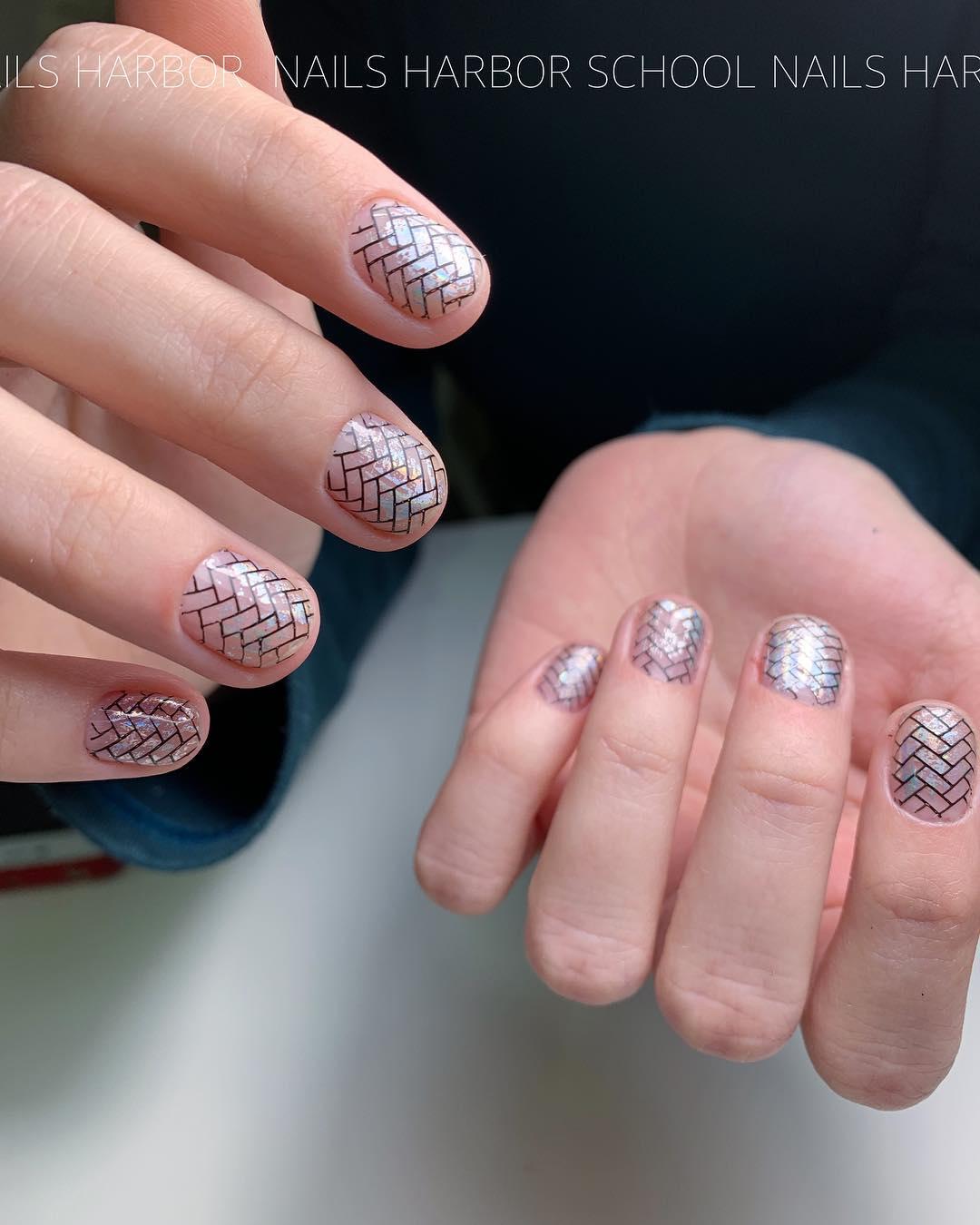 светлый маникюр на коротких ногтях фото_18