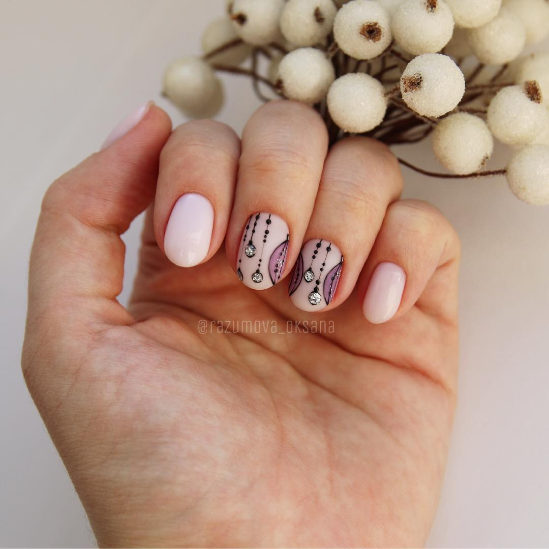 рисунки на коротких ногтях фото_31