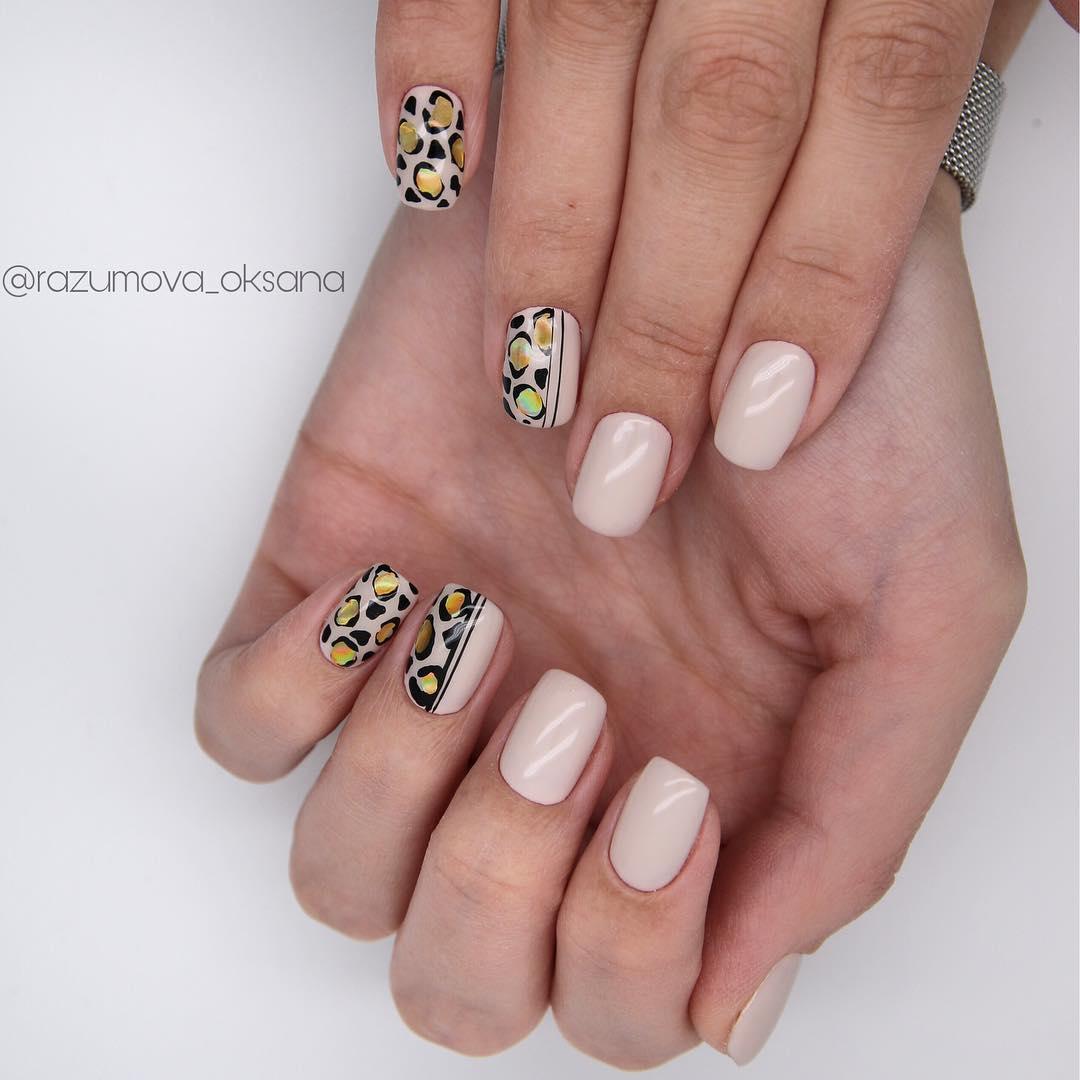 рисунки на коротких ногтях фото_19
