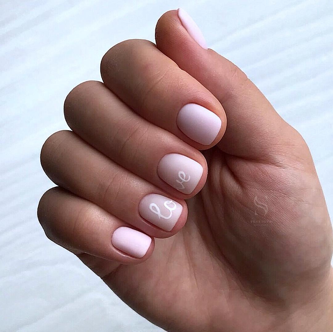 светлый маникюр на коротких ногтях фото_31