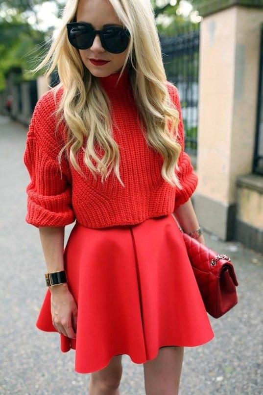 яркий свитер с чем носить фото 19