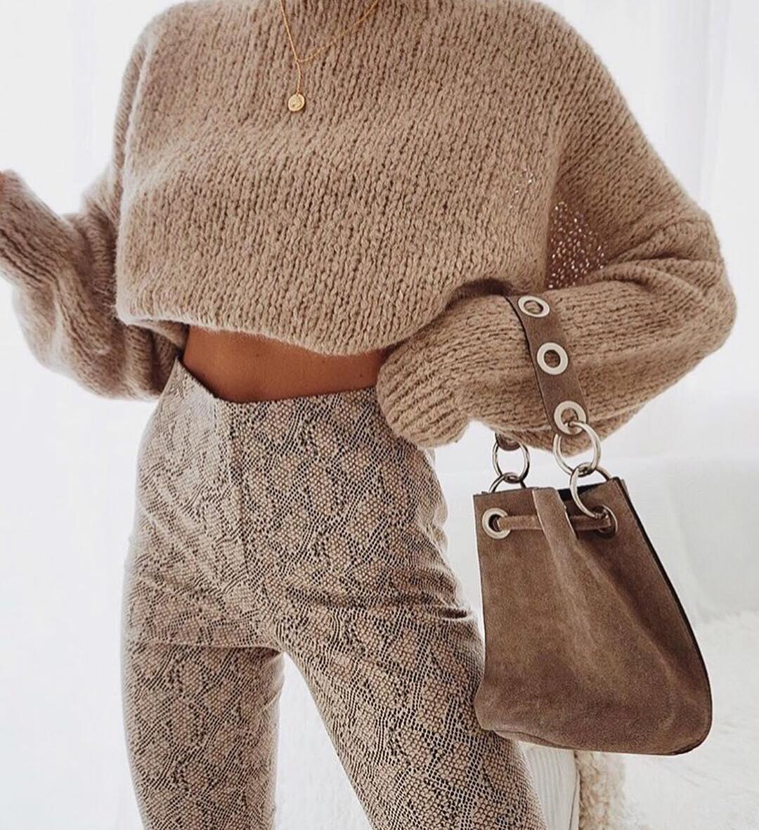 Нюдовый джемпер и свитер зимы 2019 фото 1