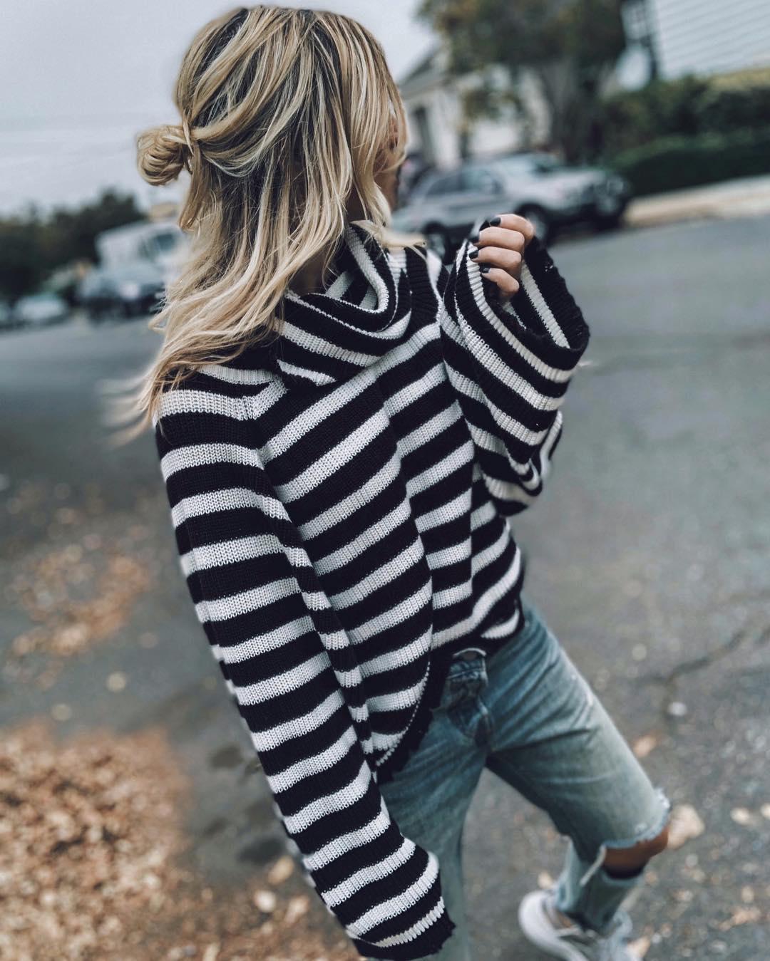 Джинсы и свитер: 15 невероятно стильных образов 2019 года
