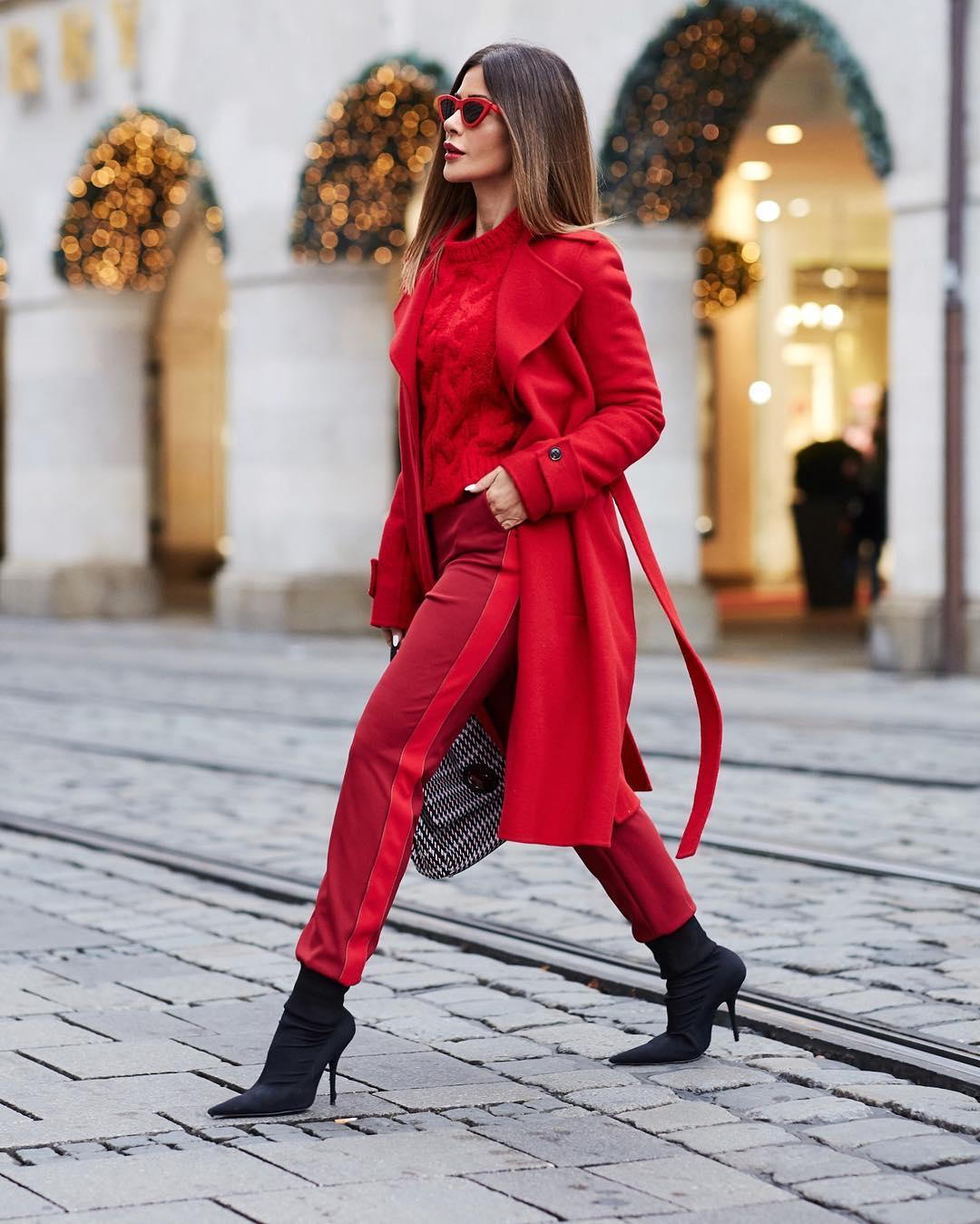 10 удачных способов носить красный цвет дамам 40+ зимой 2019