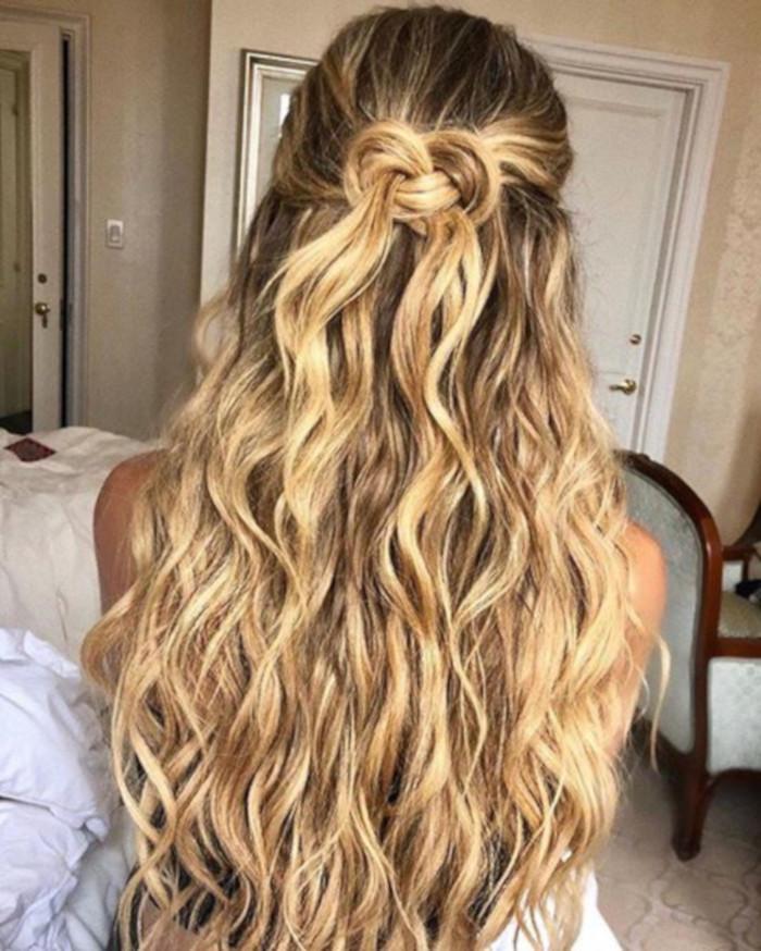 прически для длинных волос фото 24