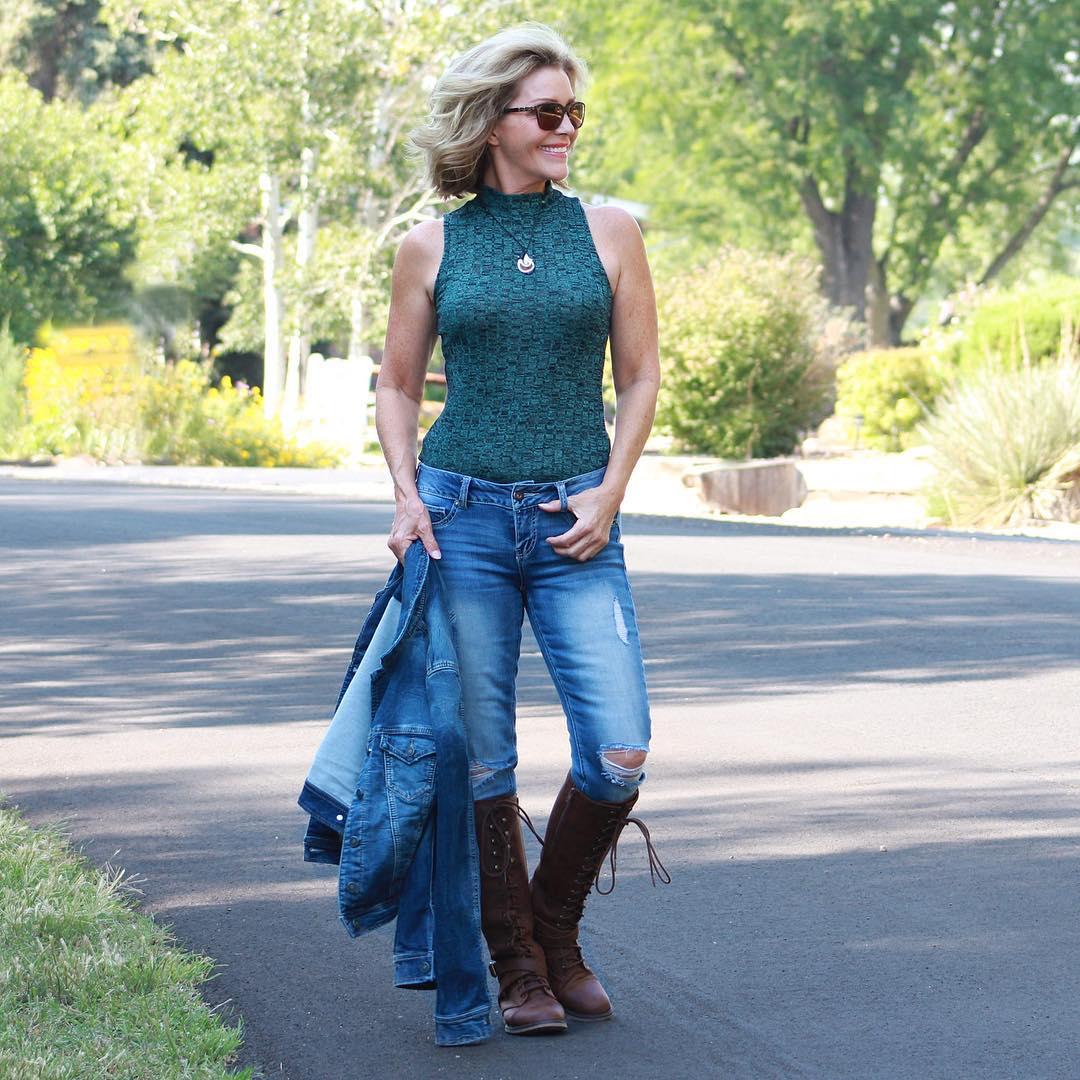джинсовые вещи в 50 лет фото 12