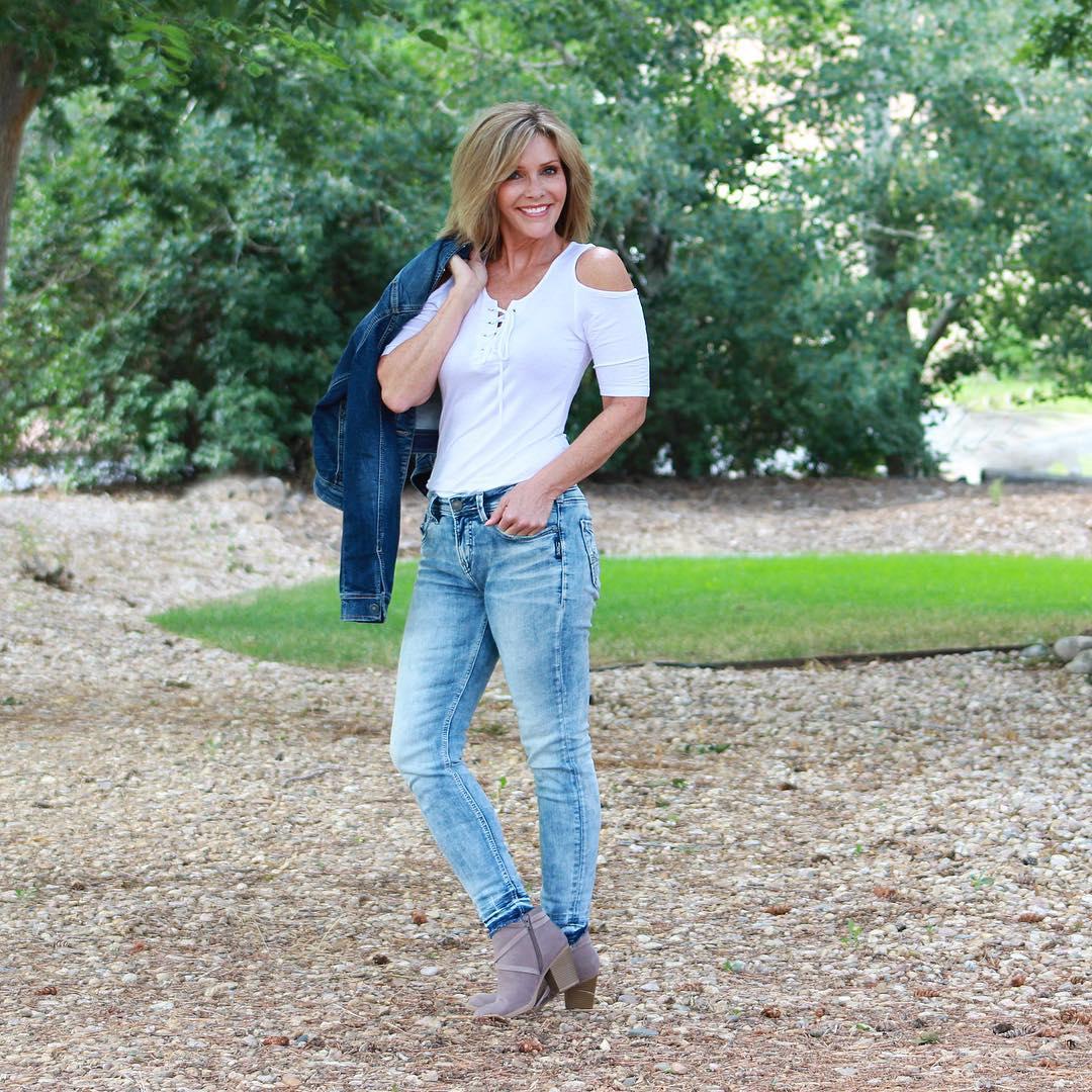 джинсовые вещи в 50 лет фото 14