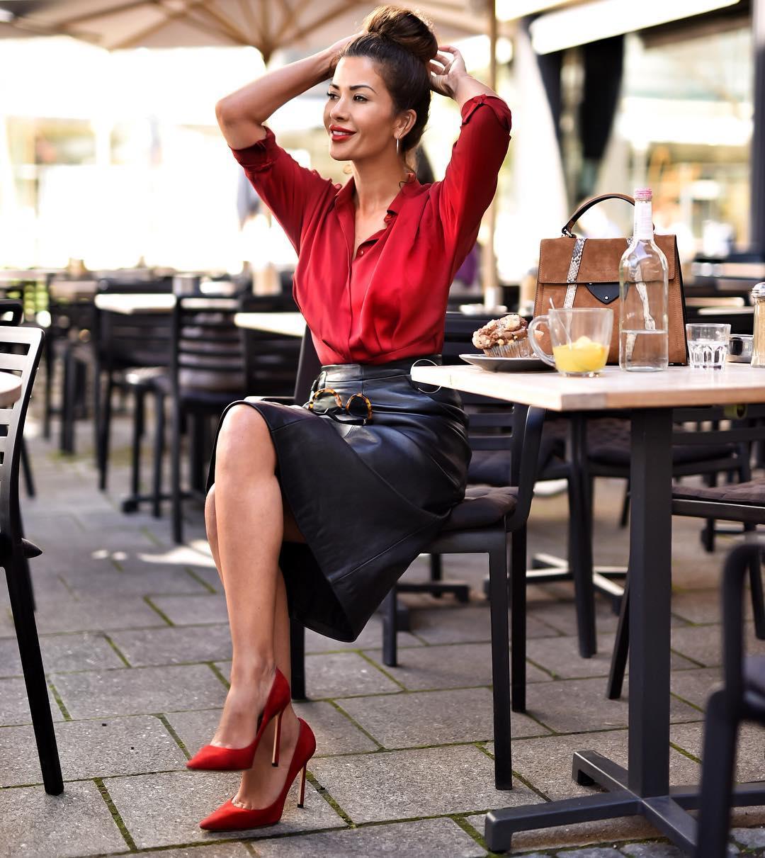 Кожаная юбка с блузкой фото 7