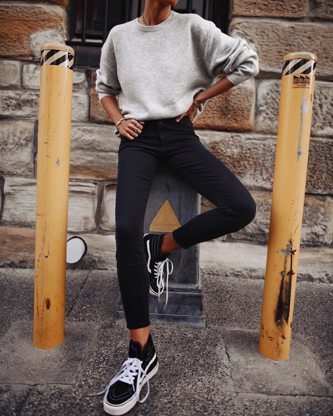 джинсы с кроссовками и кедами фото 13