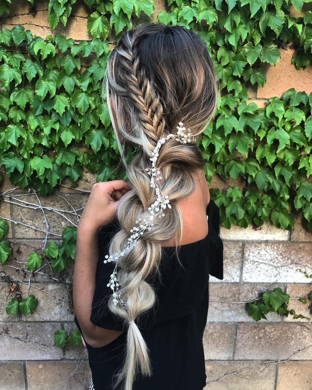 прически для длинных волос фото 22