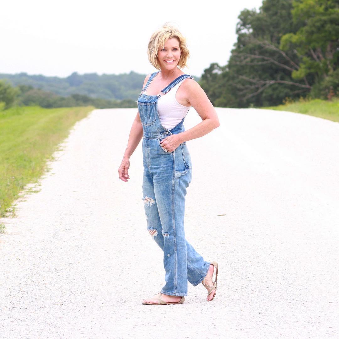 джинсовые вещи в 50 лет фото 16