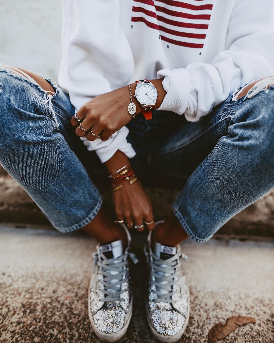 джинсы с кроссовками и кедами фото 12
