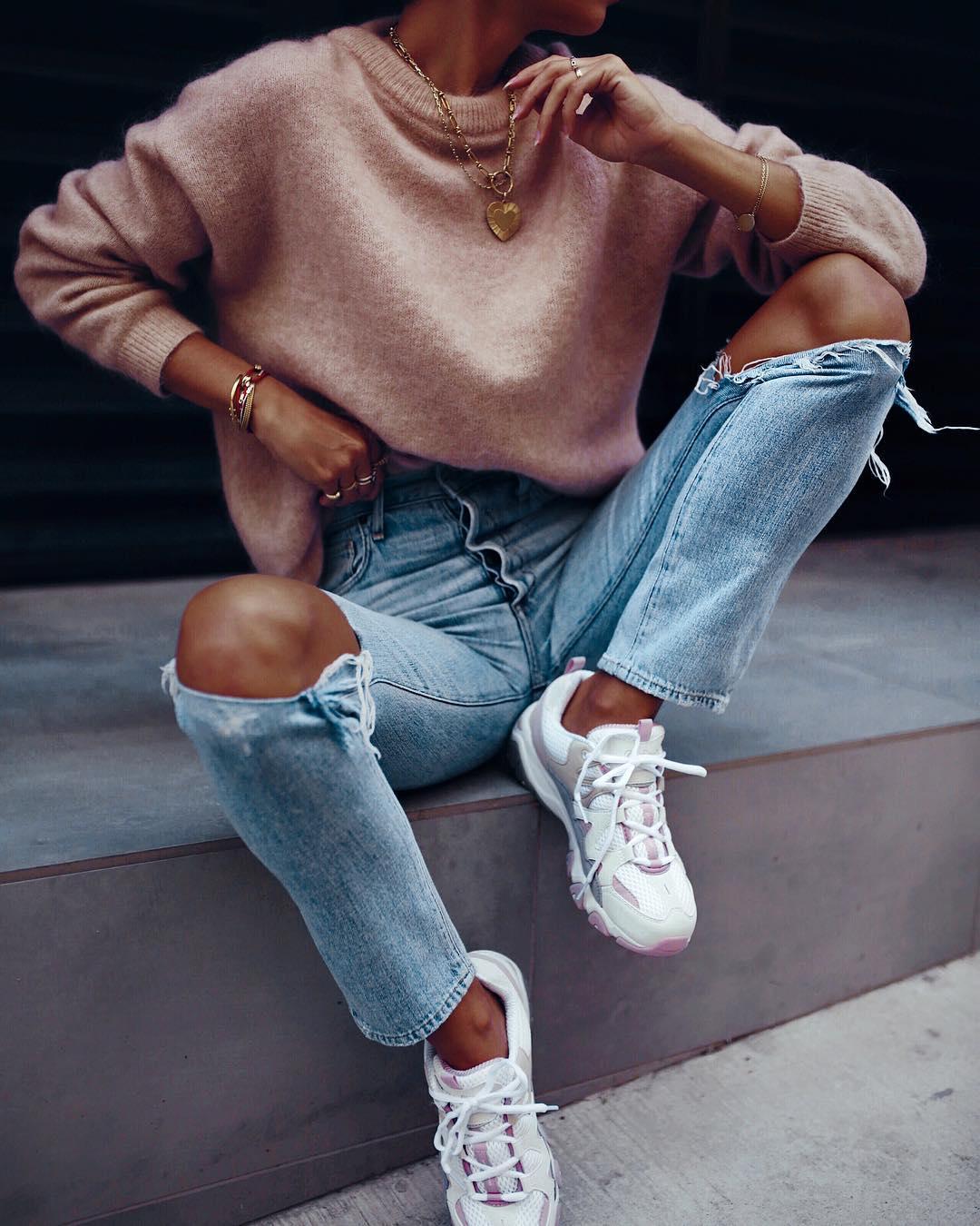 джинсы с кроссовками и кедами фото 10