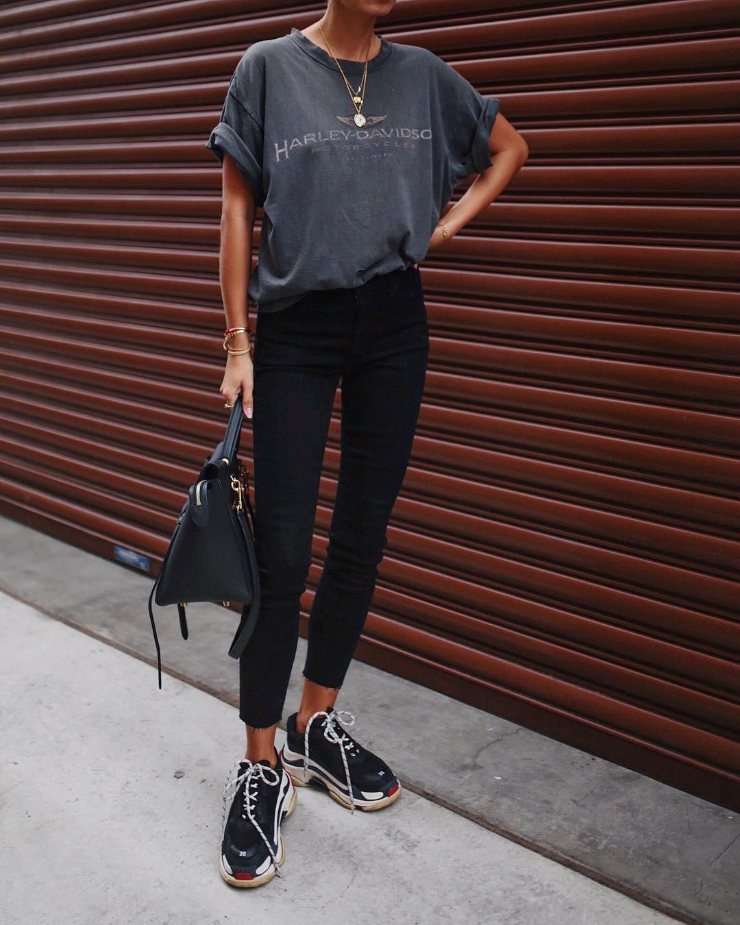 джинсы с кроссовками и кедами фото 15
