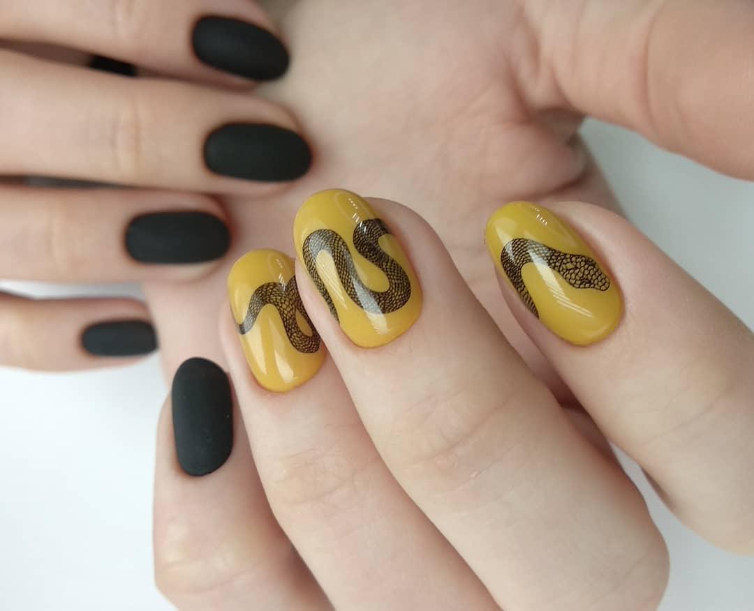 Змеи на ногтях фото_9
