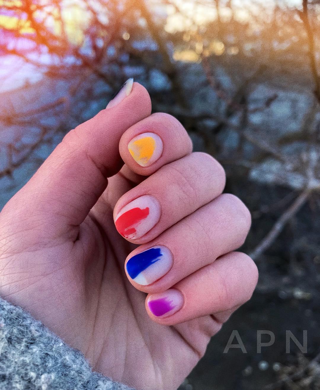 дизайн мазки кистью на ногтях фото_11