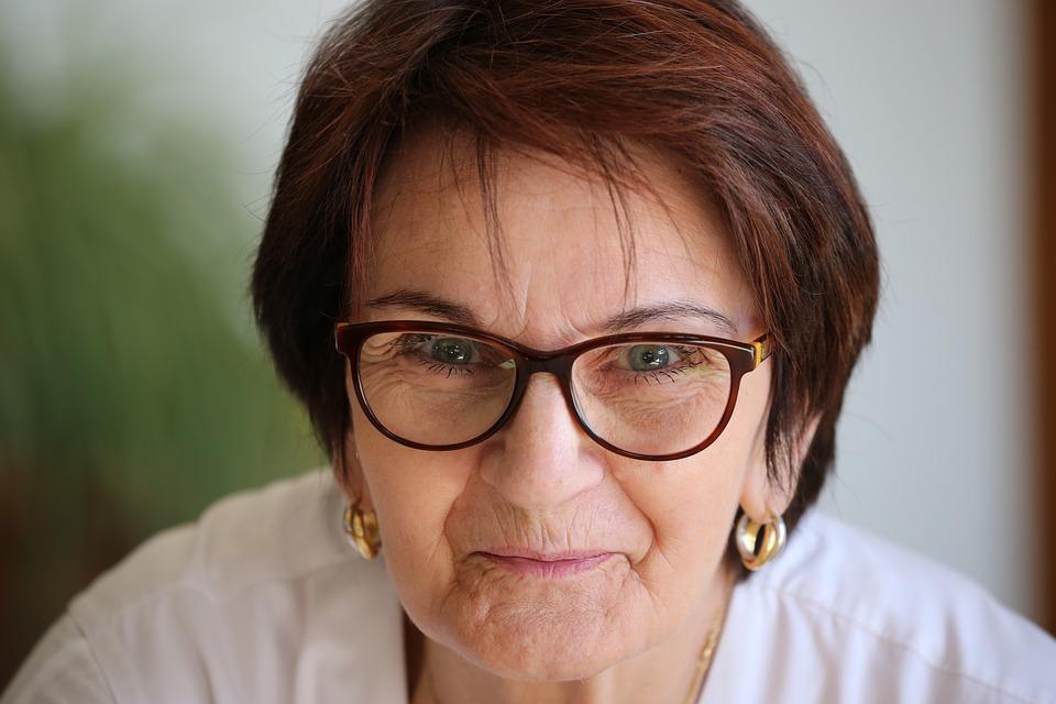 прически для 50-летних женщин фото 5