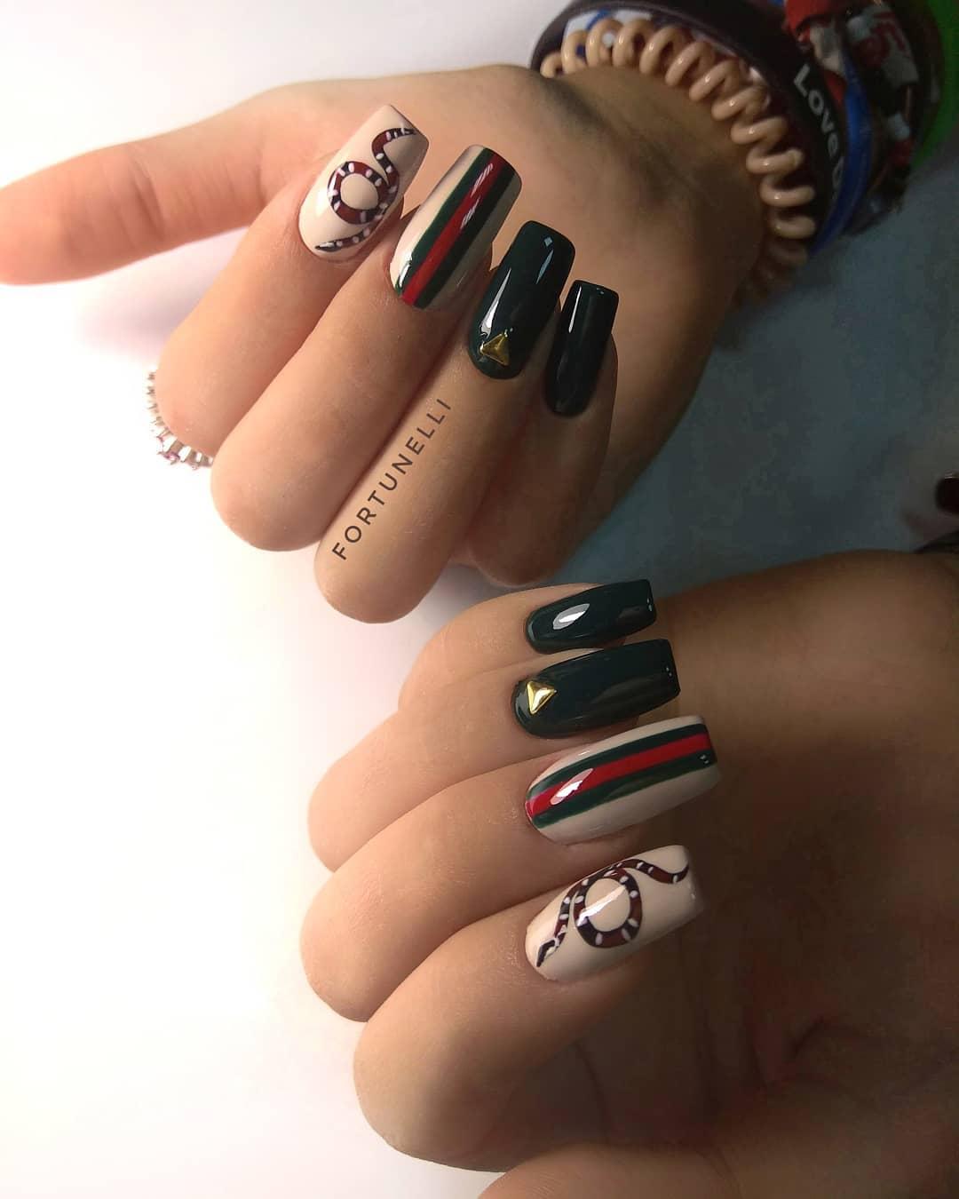 Змеи на ногтях фото_25