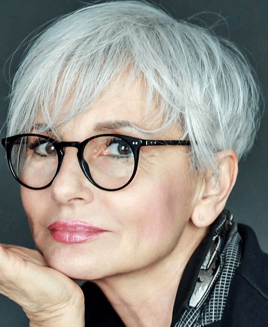 прически для 50-летних женщин фото 13