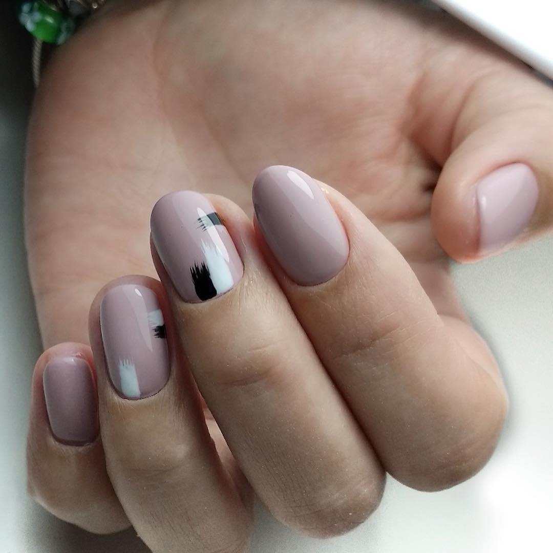 дизайн мазки кистью на ногтях фото_18