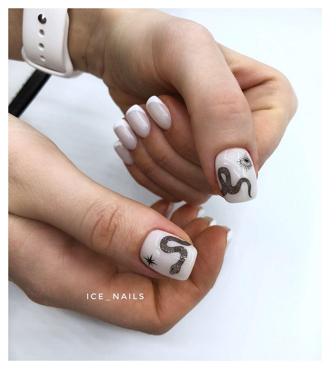 Змеи на ногтях фото_21