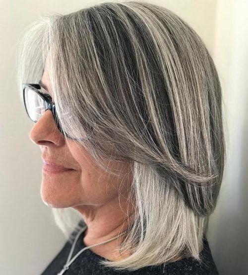 прически для 50-летних женщин фото 15