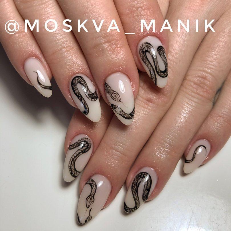 Змеи на ногтях фото_27