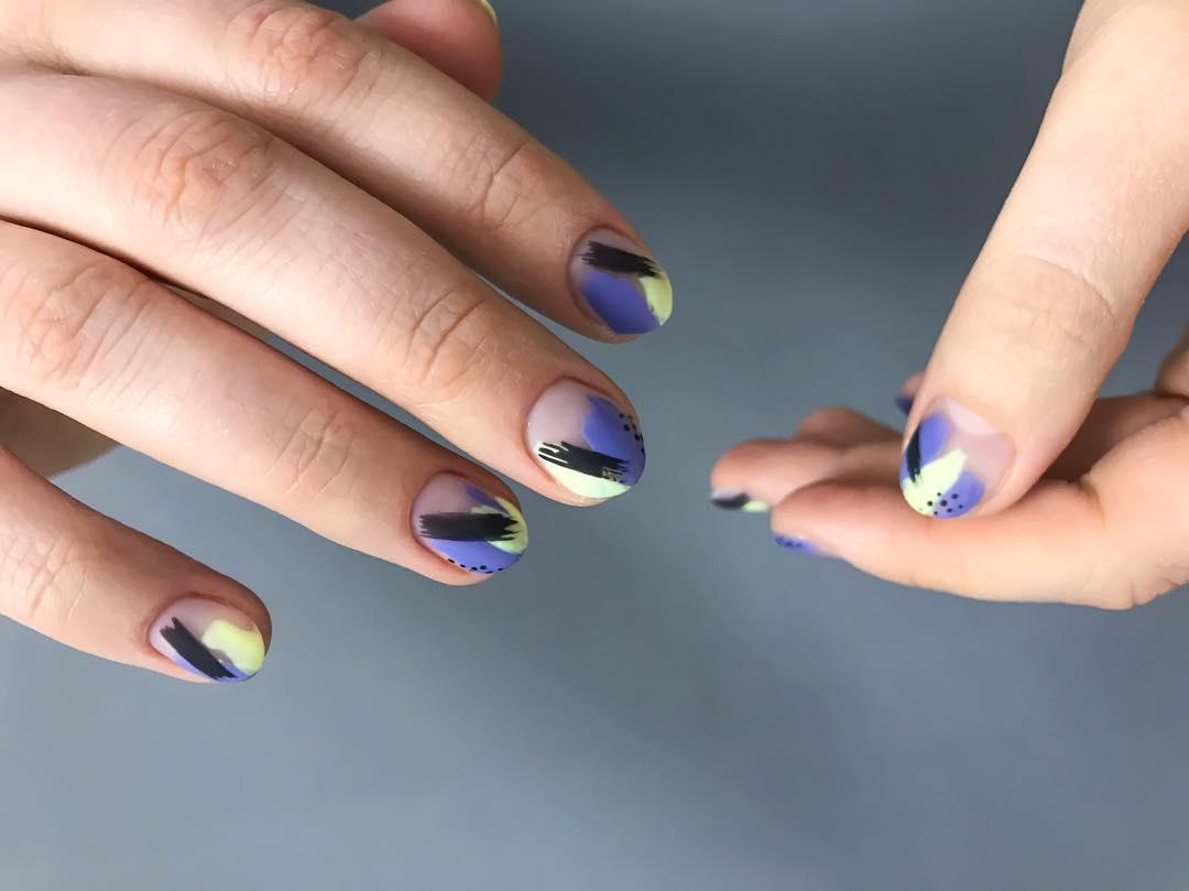дизайн мазки кистью на ногтях фото_1