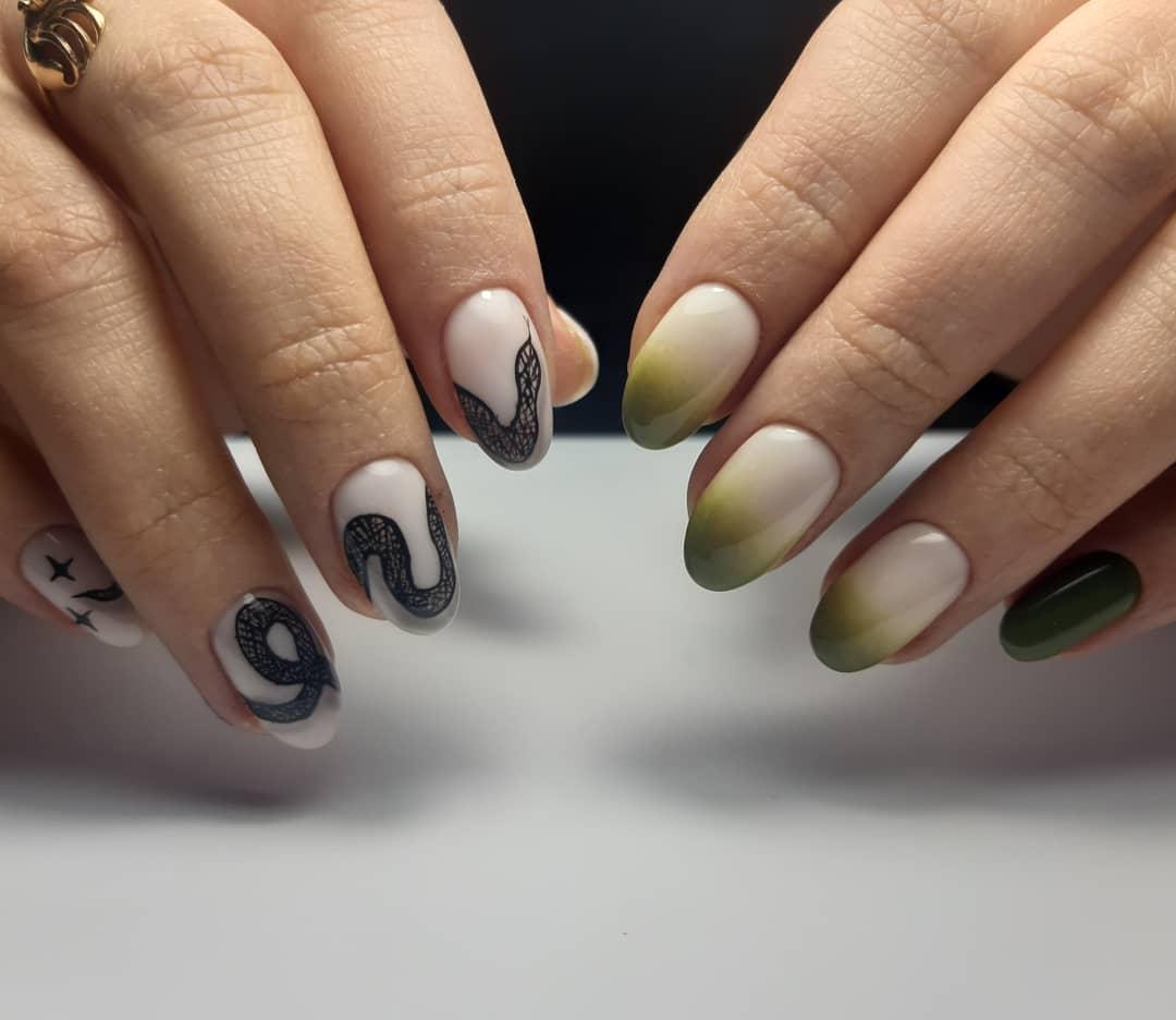 Змеи на ногтях фото_1