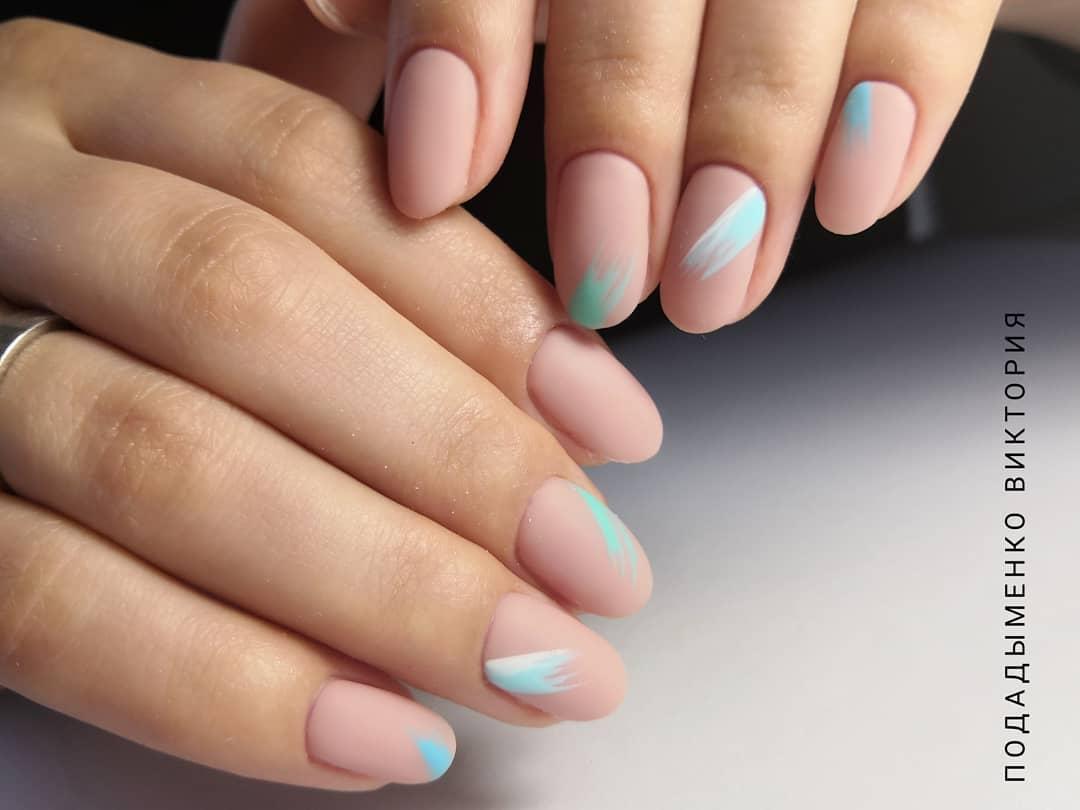 дизайн мазки кистью на ногтях фото_30