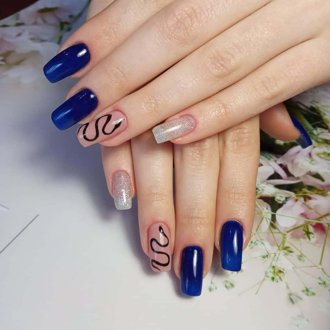 Змеи на ногтях фото_11