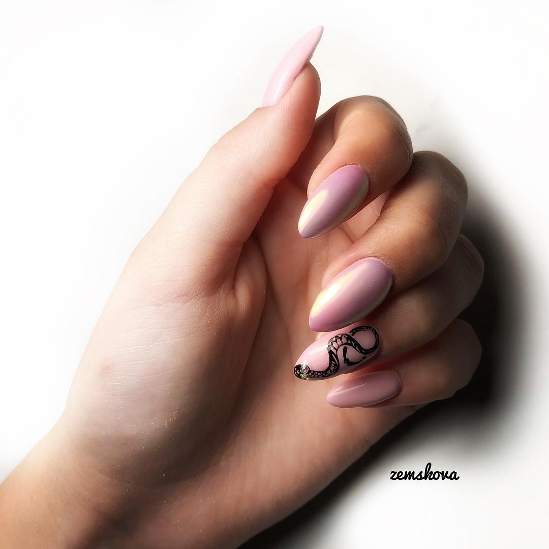 Змеи на ногтях фото_23