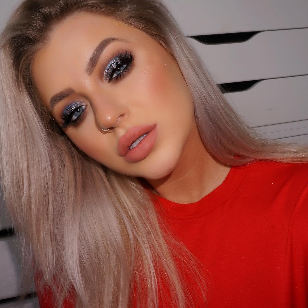Темный макияж для голубых глаз фото 17