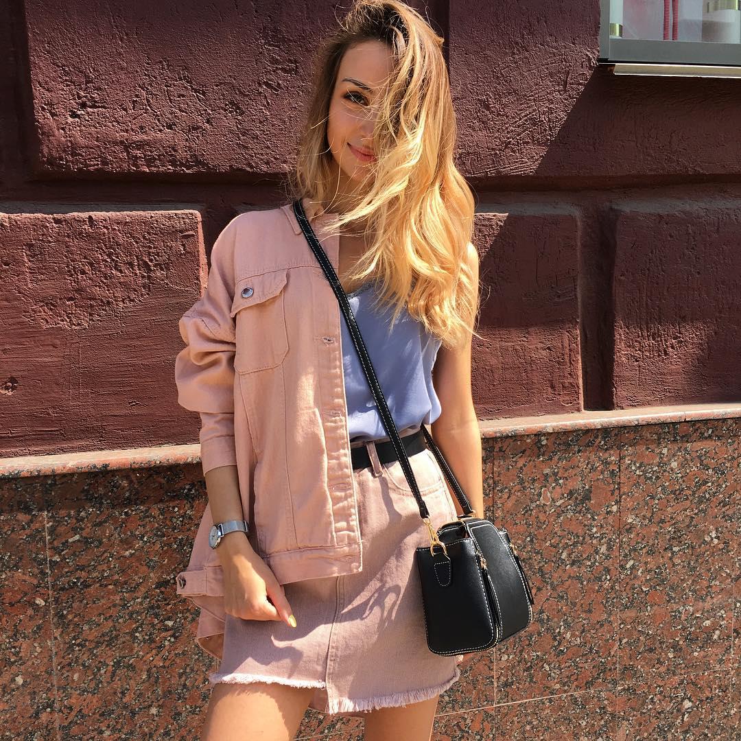 Розовая джинсовая куртка фото 7