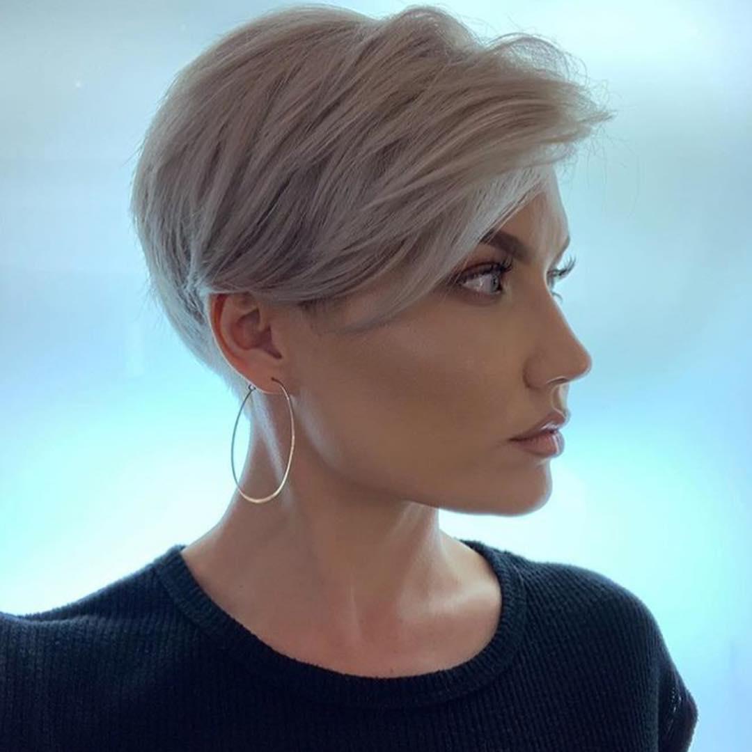 Короткие стрижки для прямых волос фото 10