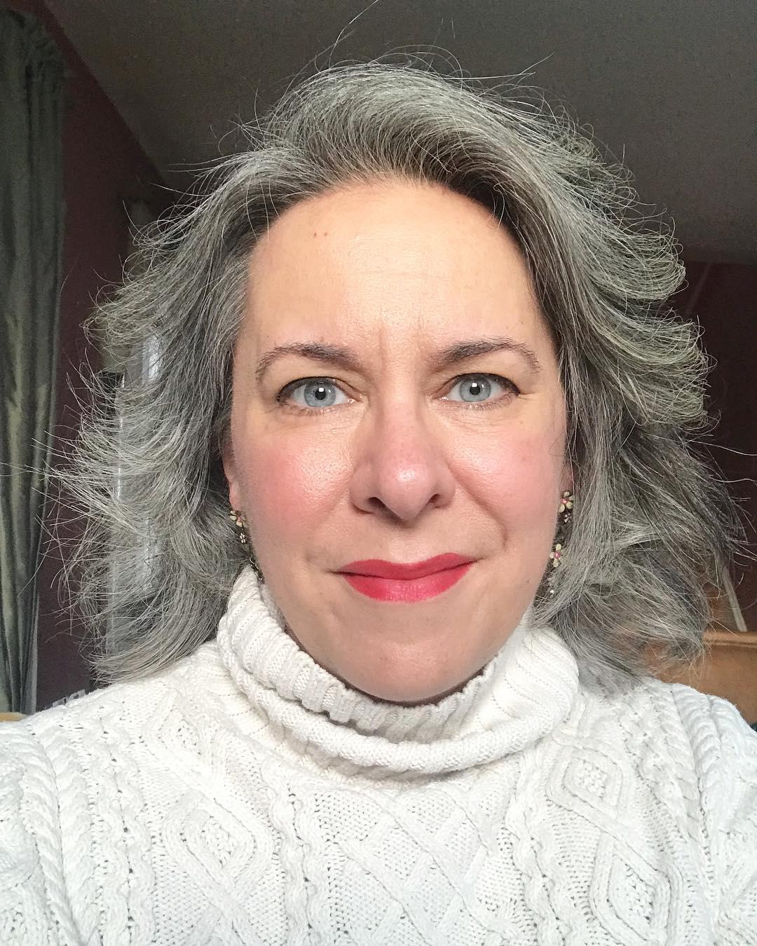 короткие стрижки для женщин старше 60 лет фото 1